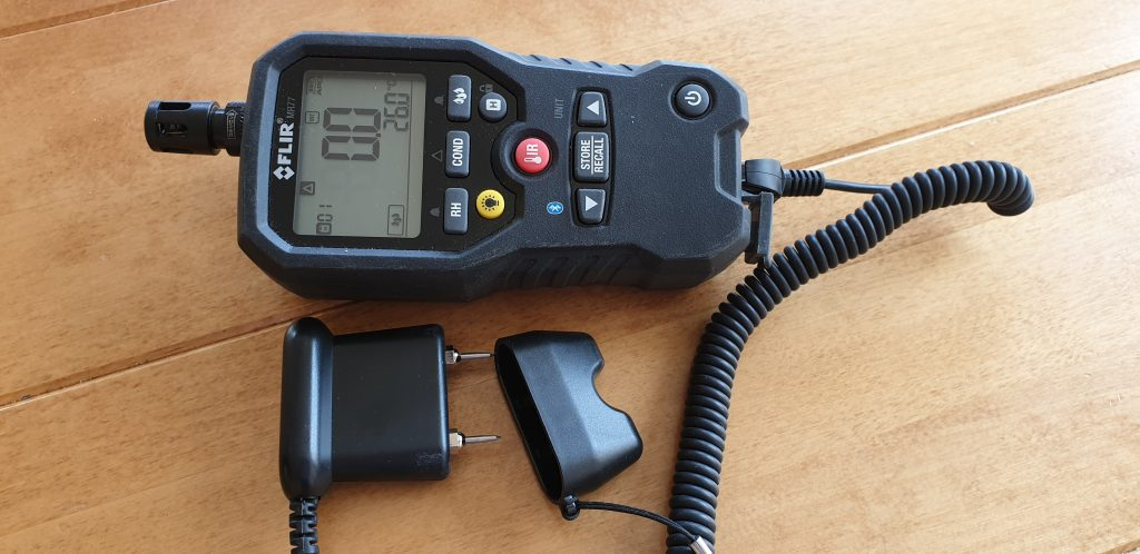 Filr MR77  combined conductivity, capacitance and relative humidity meter