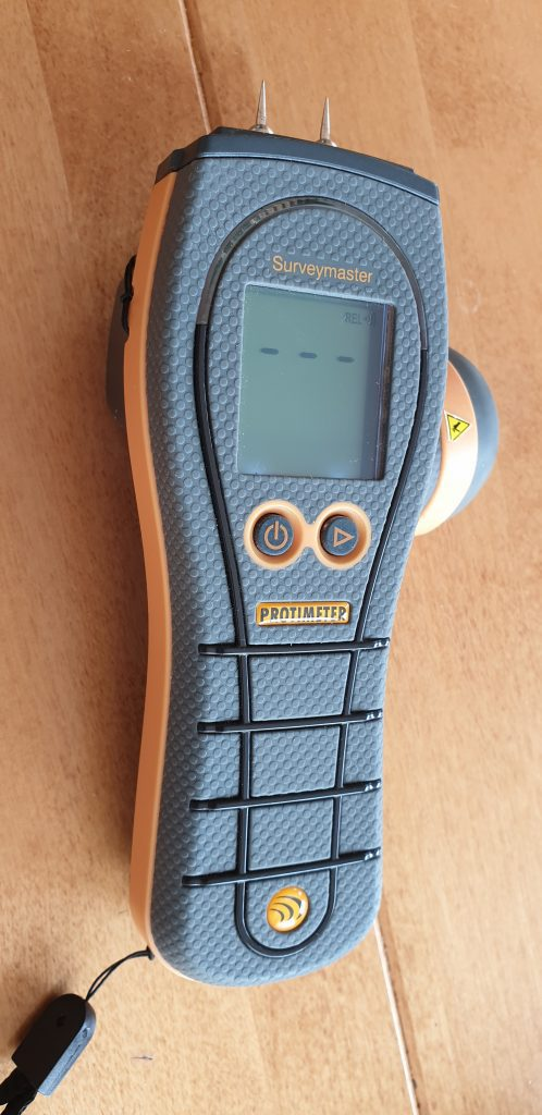 Electrical moisture meter for damp investigations